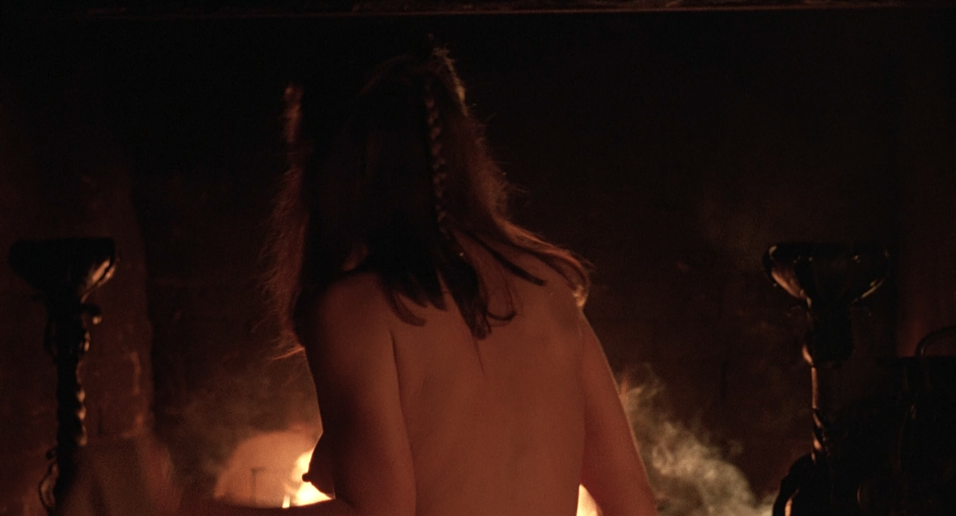 Theresa Russell nude butt sex and Debra Winger hot bikini - Black Widow 1987 1080p BluRay (10)