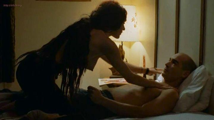 Clara Furey nude brief topless and Danielle Hubbard nude sex - CQ2 (CA-FR-2004) (7)