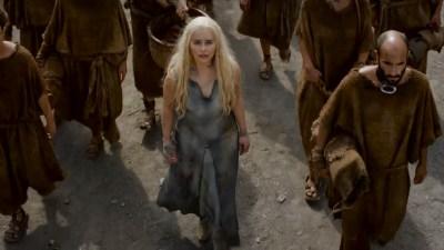 Emilia Clarke nude barley side boob – Game of Thrones (2016) s603 HDTV 1080p (4)