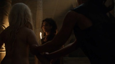 Emilia Clarke nude barley side boob – Game of Thrones (2016) s603 HDTV 1080p (2)