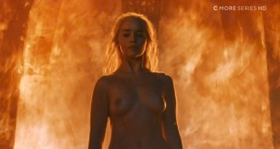 Emilia Clarke nude topless- Game of Thrones (2006) s6e4 HDTV 1080p (3)