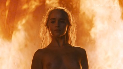 Emilia Clarke nude topless- Game of Thrones (2006) s6e4 HDTV 1080p (1)