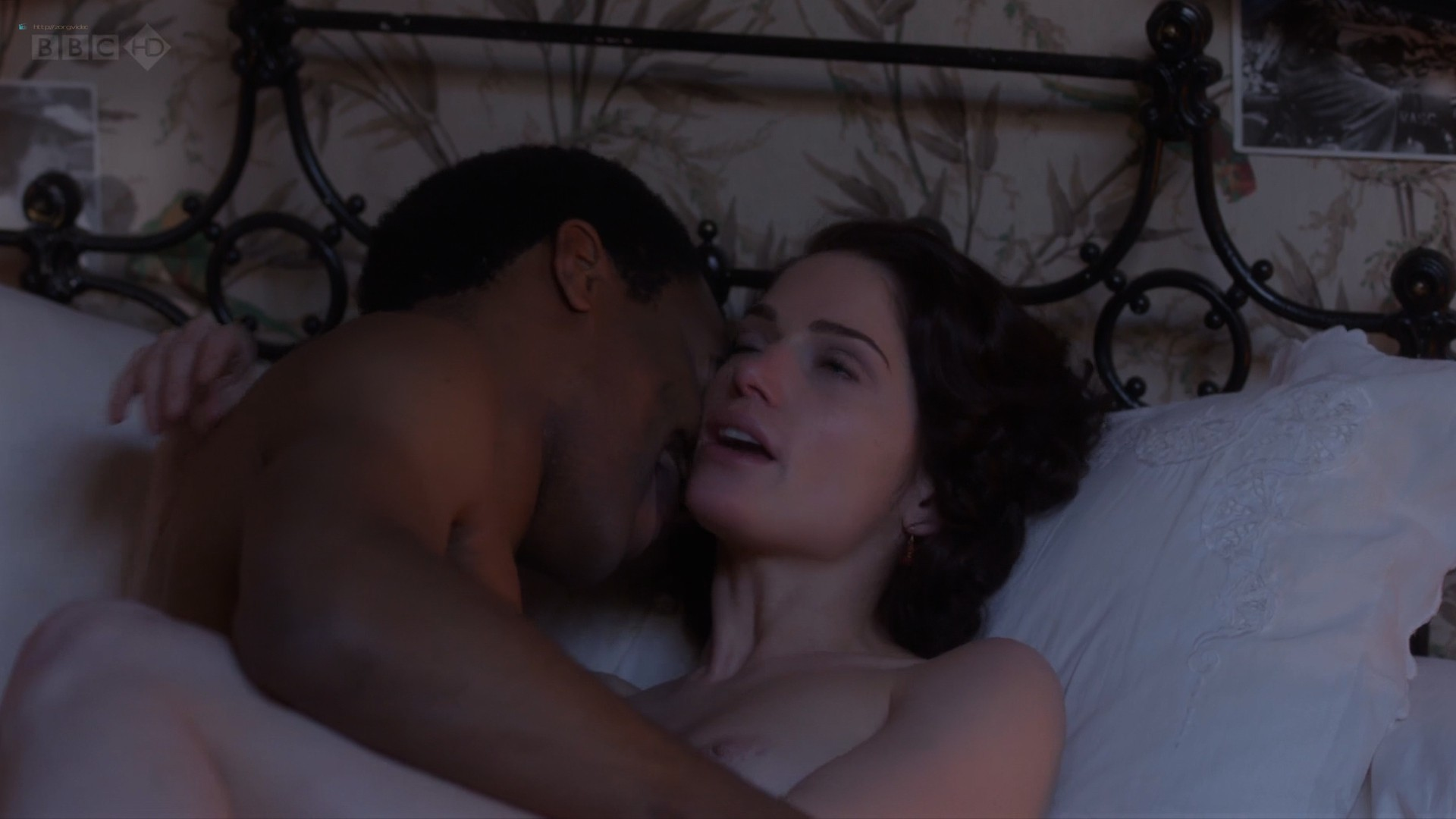 Janet Montgomery nude topless and sex - Dancing on the Edge (2013) s1e4 HD 1080p (2)