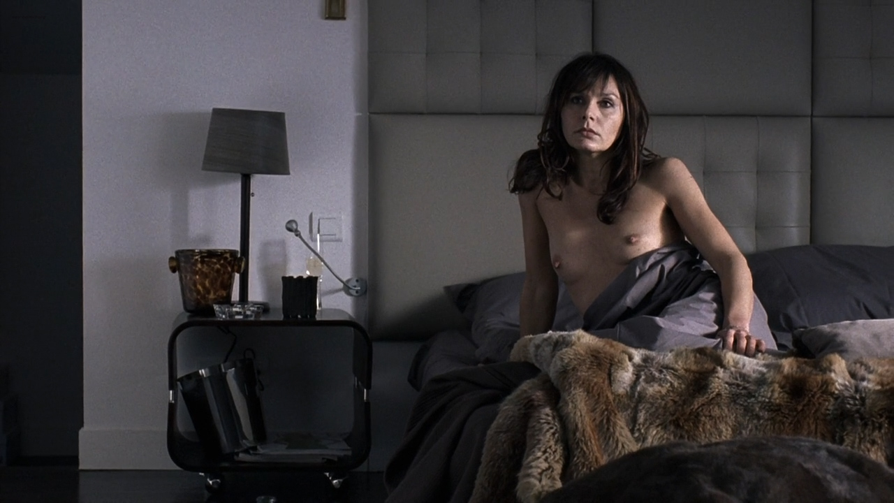 Lilou Fogli nude boobs, Naamah Alva nude bush and butt other's nude - Braquo (FR-2009) S1 HD 720p (12)