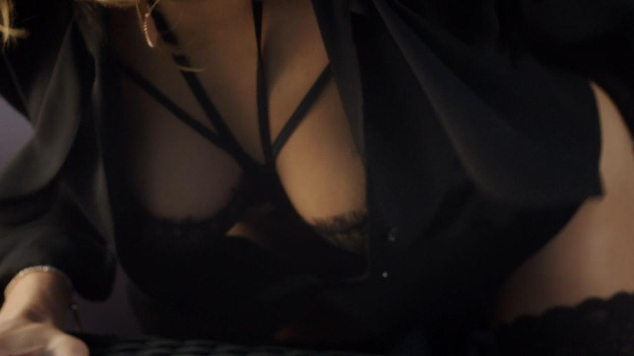 Stéphane Caillard nude topless, Carolina Jurczak nude and Nadia Farès hot - Marseille (FR-2016) s1e-1-4 HD 720p (12)