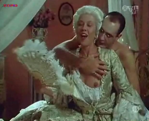 Penélope Cruz nude, Itziar Álvarez and Marina Martinez Andina nude bush - Serie rose - Elle et Loui (FR-1986) (4)