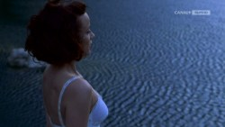 Joanna Going nude topless and butt and Samantha Mathis hot and wet - How to Make an American Quilt (1995) HDTV 720p (6)