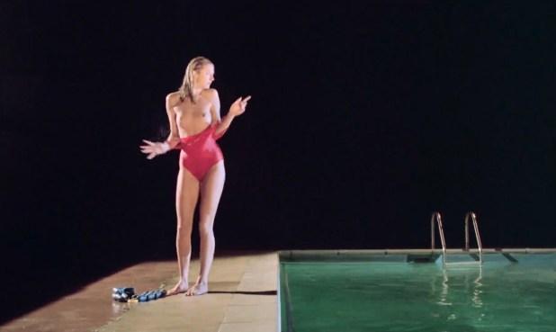 Joely Richardson nude topless Jane Gurnett nude bush and Juliet Stevenson nude bush too- Drowning by Numbers (1988) HD 1080p BluRay (14)