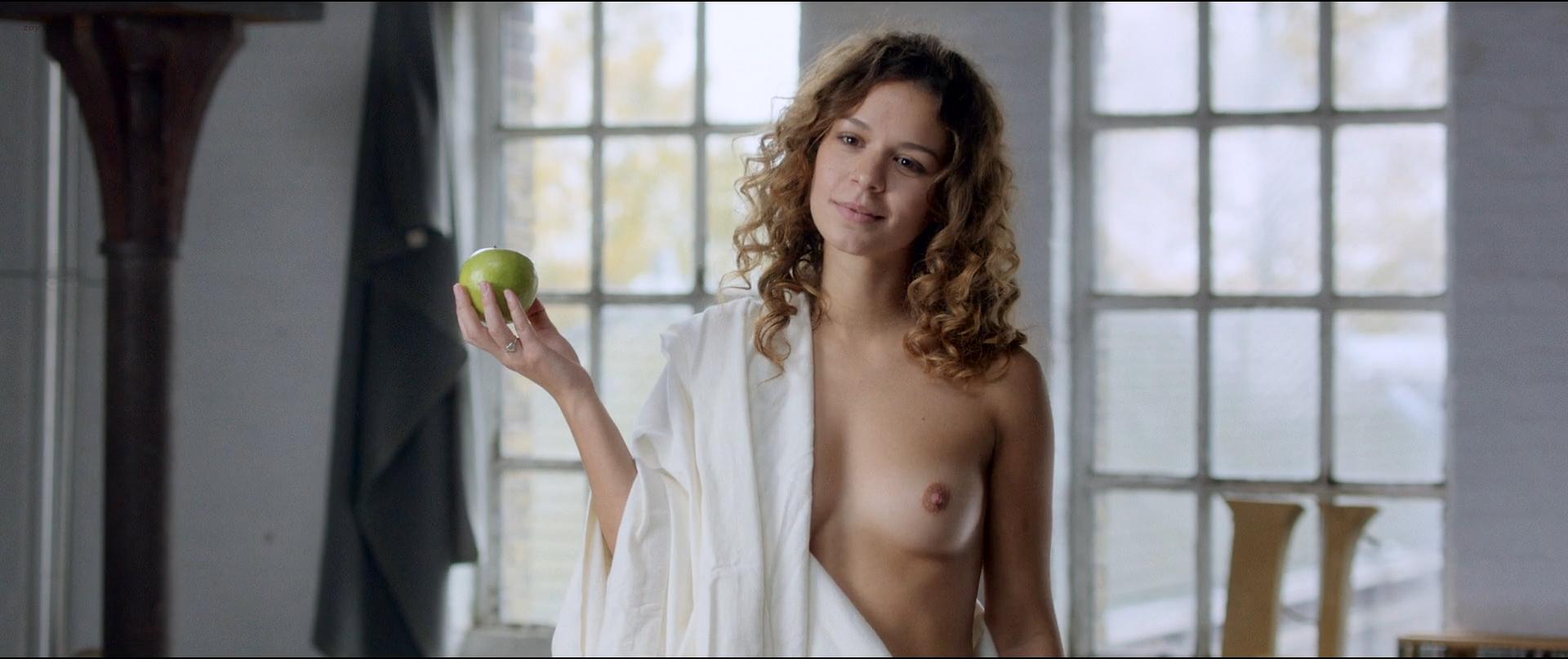 jennifer-hoffman-nude-lesbians-spit-on-ass