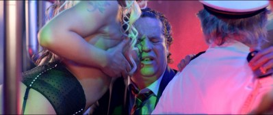 Anouk Kleykamp nude topless, Jennifer Hoffman hot and Jelka van Houten sexy - Familieweekend (NL-2016) HD 1080p BluRay (10)