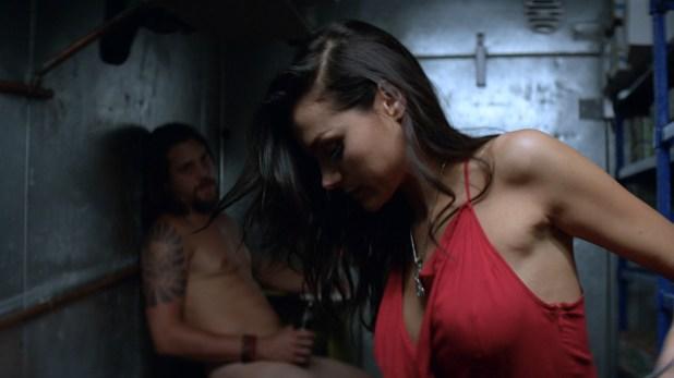 Christina Ochoa nude side boob and hot sex – Animal Kingdom (2016) s1e6 HD 1080p (1)