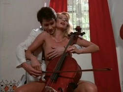 Bea Fiedler nude bush Taaffe O'Connell and Louisa Moritz nude too - Hot Chili (1985) (10)