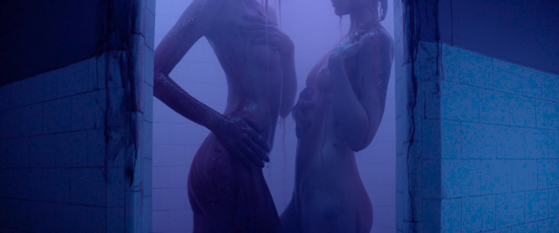Elle Fanning hot Jena Malone, Bella Heathcote and Abbey Lee nude, topless, bush- The Neon Demon (2016) 1080p WEB-DL (4)