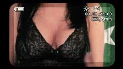 Jenny Mollen nude side boob Lisa Arturo nude Nicole Eggert hot other's nude - Cattle Call (2006) HD 1080p BluRay (8)