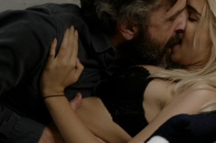 Emily Ratajkowski hot lingerie and Alexandra Marzella hot – Easy (2016) s1e5 HD 720p