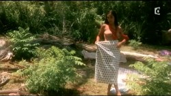 Irina Cardoso nude topless other's nude too - Les Aventuriers des mers du Sud (FR-2006) HDTV (5)