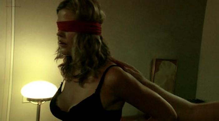 Mi Grönlund nude butt, boobs and lot of sex - Levottomat 3 (FI-2004) (2)