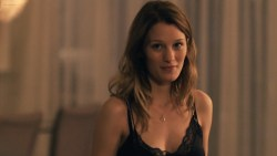 Ashley Hinshaw hot sex Stephanie Drapeau butt crack and Yinoelle Colón oral- StartUp (2016) s1e3 HD 1080p (3)