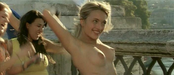 Carolina Crescentini nude butt, boobs and sex Serena Autieri nude - Notte Prima degli Esami Oggi (IT-2007) (6)