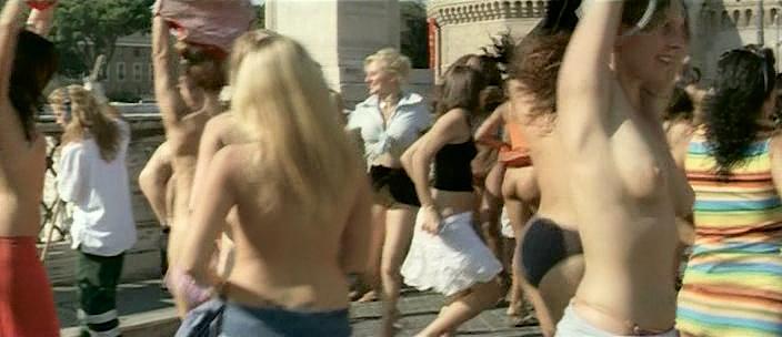 Carolina Crescentini nude butt, boobs and sex Serena Autieri nude - Notte Prima degli Esami Oggi (IT-2007) (5)