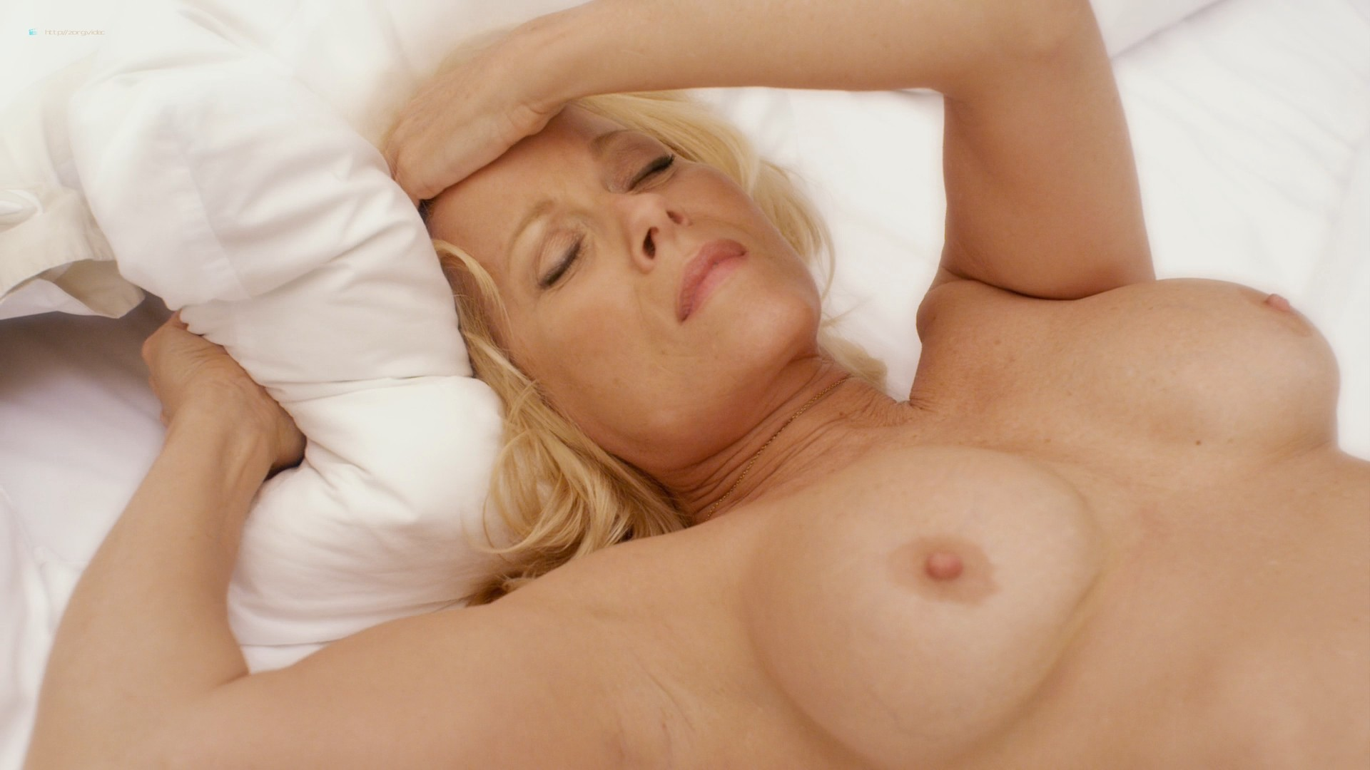 Jessica Clark nude lesbian sex with Barbara Niven nude boobs and butt - A Perfect Ending (2012) HD 1080p (8)