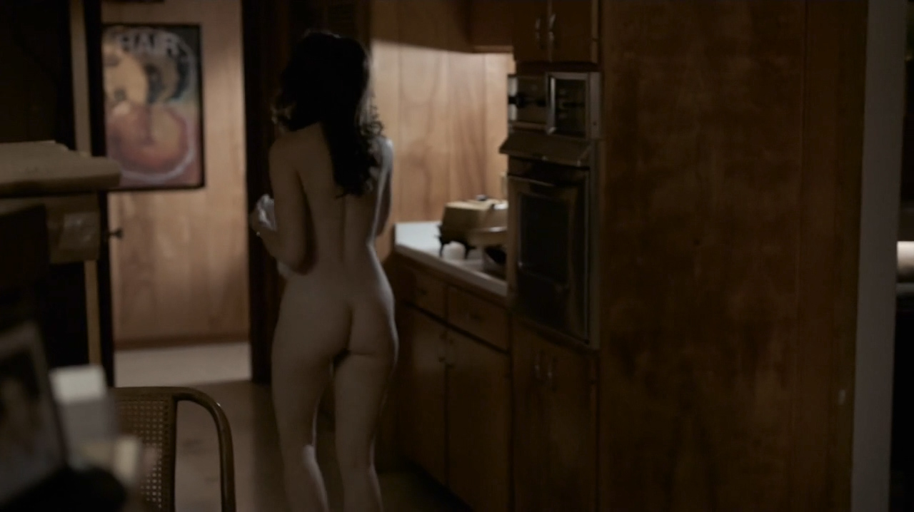 Kale Ronayne nude topless and butt and Jodi Balfour sex doggy style - Quarry (2016) s01e06 HD 720p (1)