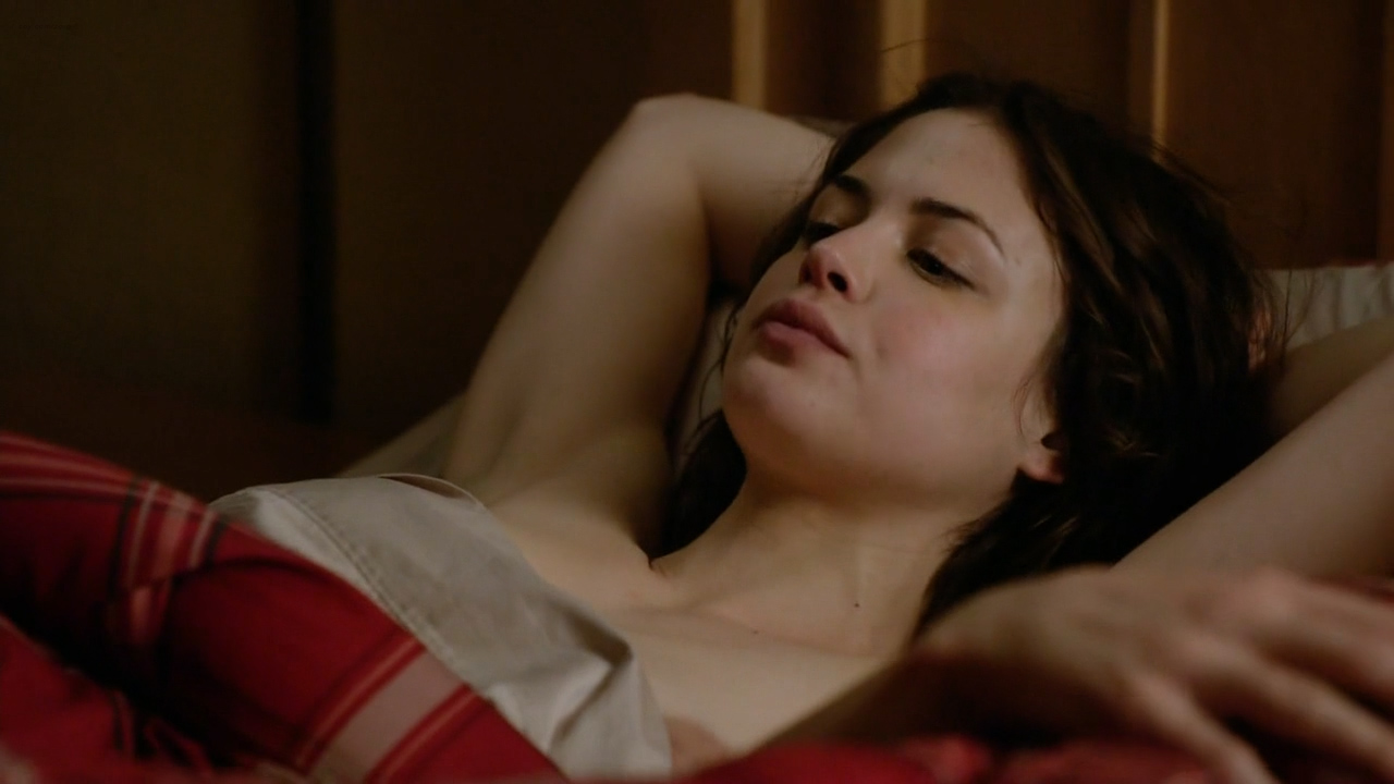 Conor Leslie nude topless and hot sex - Graves (2016) s1e7 HD 720p (10)