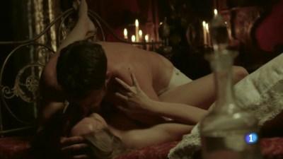 Esmeralda Moya nude topless and sex - Victor Ros (ES 2016) s2e1 HDTV 720p (9)