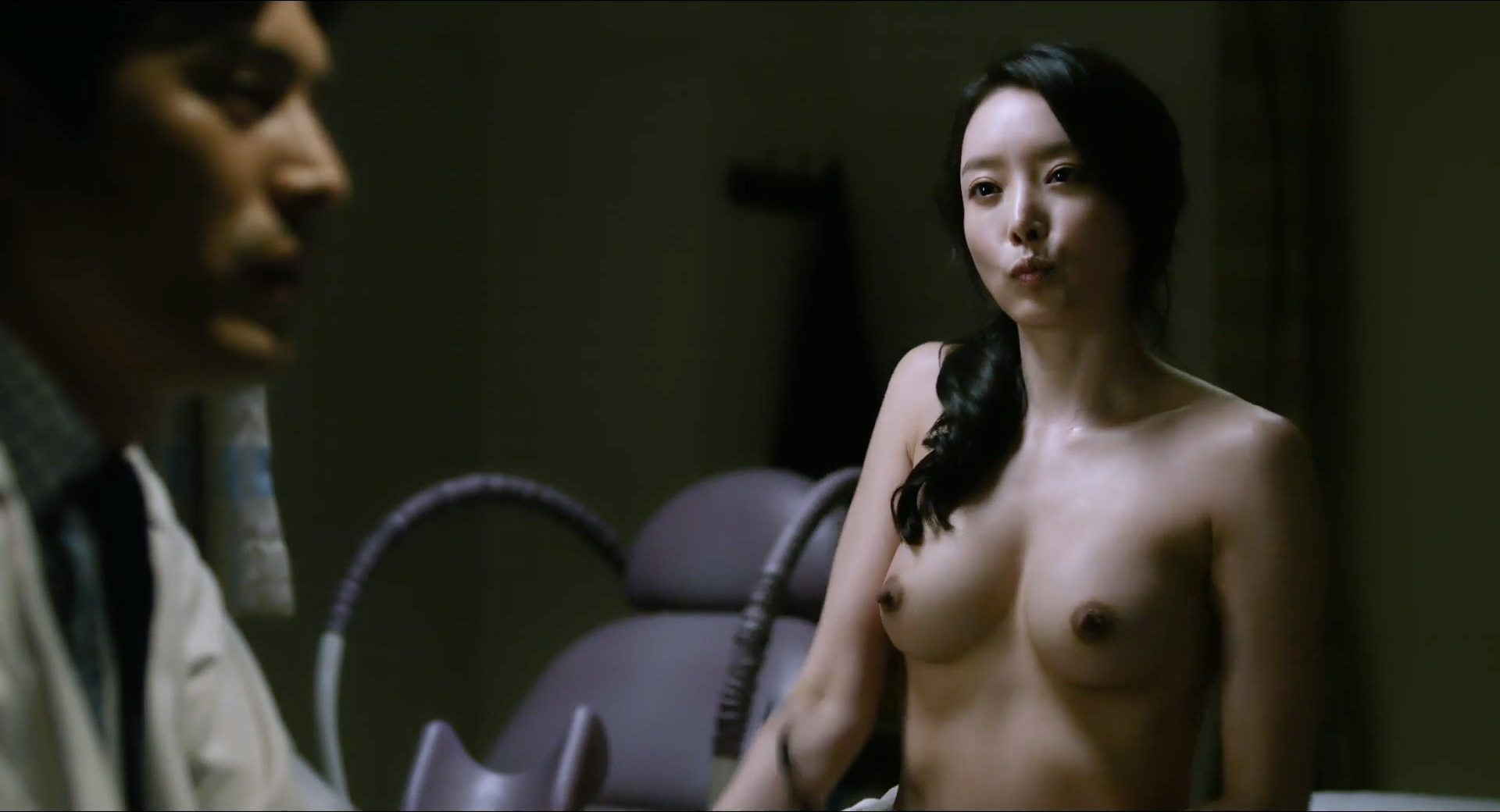 winter-korean-actor-naked-nude-valentino-nude-snakes