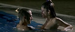 Juana Acosta nude wet and hot sex in the pool, María Reyes Arias hot - A golpes (ES-2005) (4)