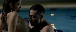 Juana Acosta nude wet and hot sex in the pool, María Reyes Arias hot - A golpes (ES-2005) (2)