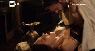 Annabel Scholey nude sex and Valentina Belle nude too – Medici Masters of Florence (2016) s1e6-8 HD 1080p (9)