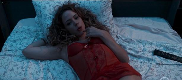 Julia Dalavia nude topless Marjorie Estiano and Leandra Leal hot and sexy - Justiça s01e04-8 (BR-2016) hd720p (4)