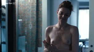 Kate Moran nude topless and sex – Cannabis (2016) s1e4-5 HD 720p (4)