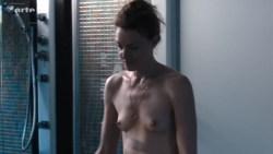 Kate Moran nude topless and sex – Cannabis (2016) s1e4-5 HD 720p (2)