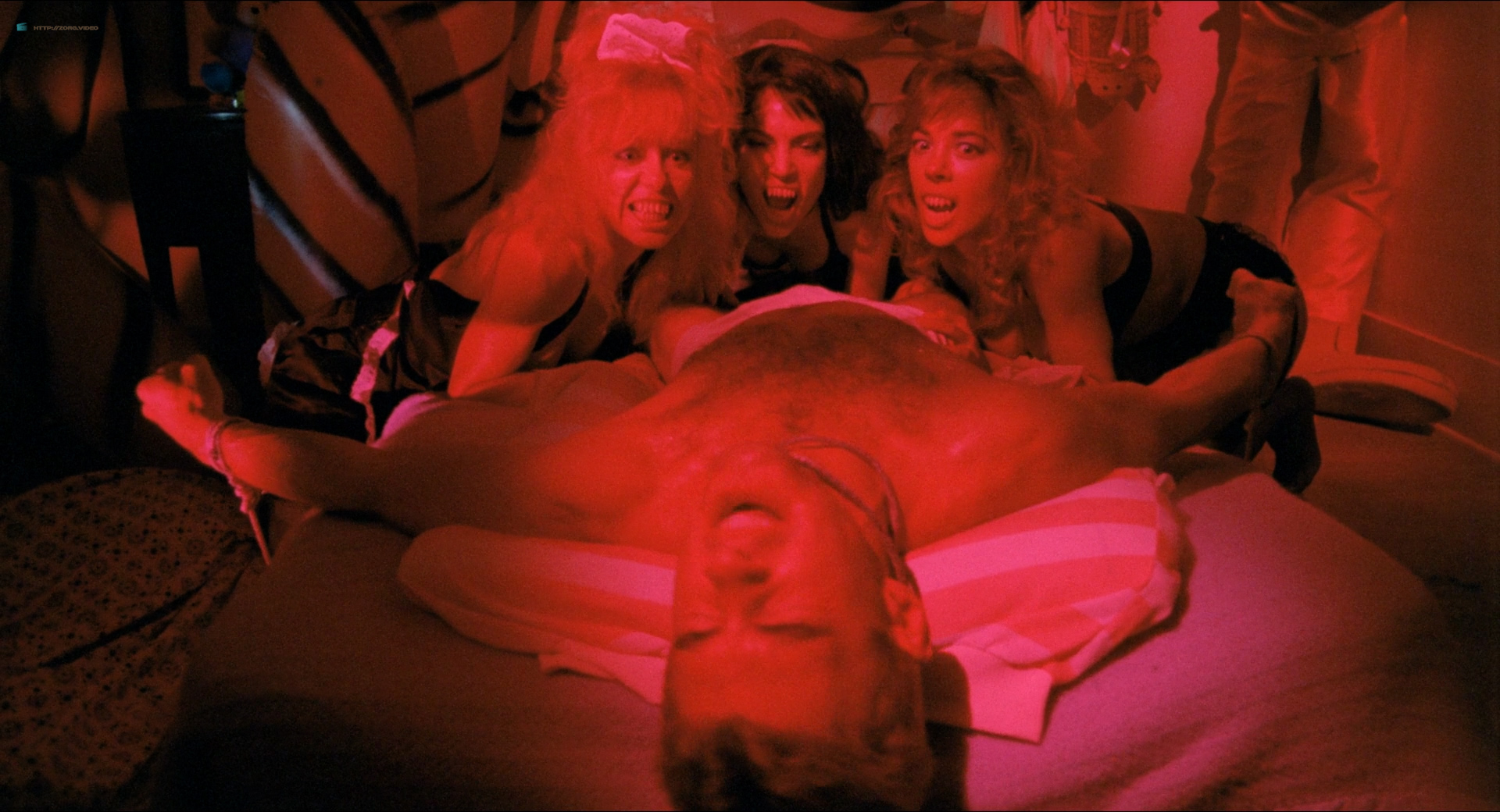 Michelle Bauer nude bush, Linnea Quigley and Brinke Stevens nude and wet - Nightmare Sisters (1988) HD1080p (12)