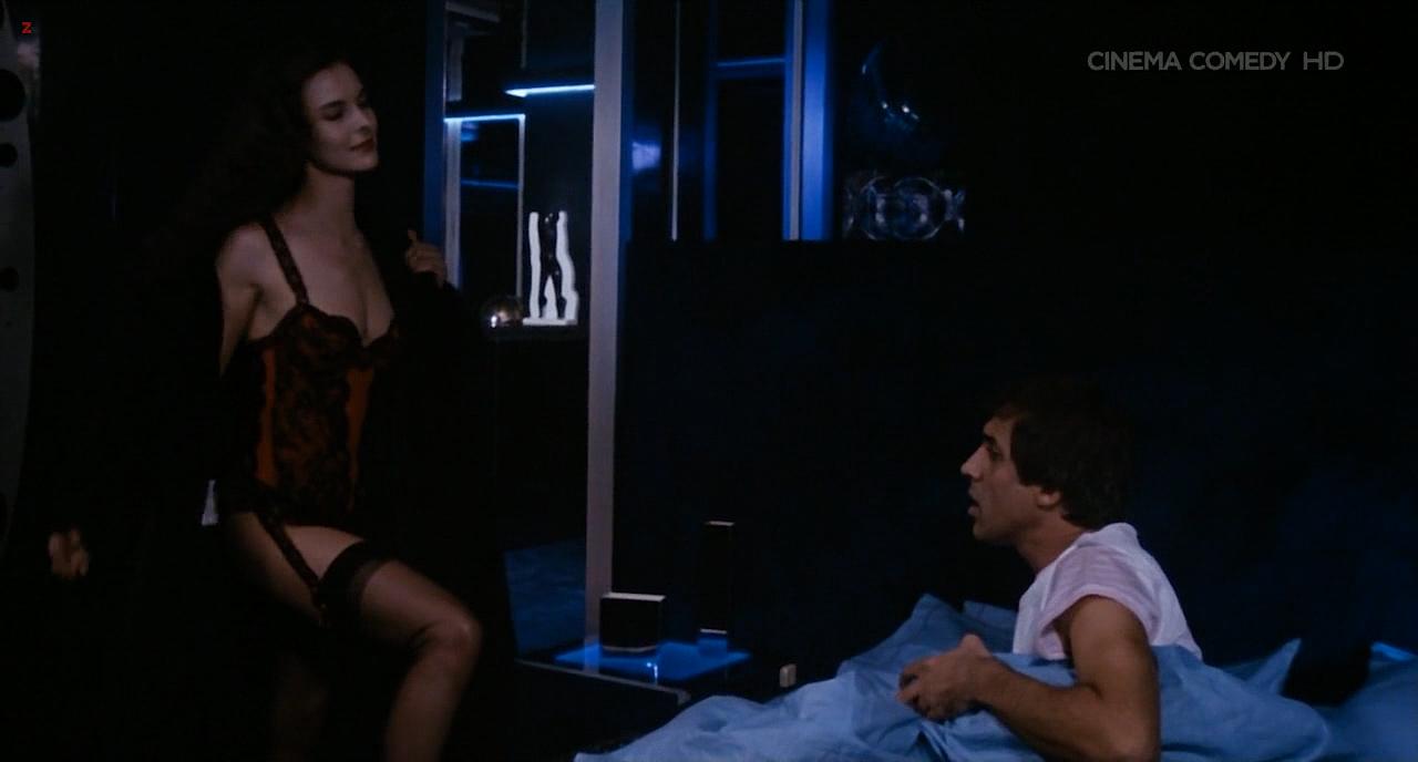 Carole Bouquet nude topless - Bingo Bongo (IT-1982) HDTV720p (2)