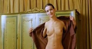 Carole Bouquet nude topless and sex - Il Cappotto Di Astrakan (IT-1980) (7)