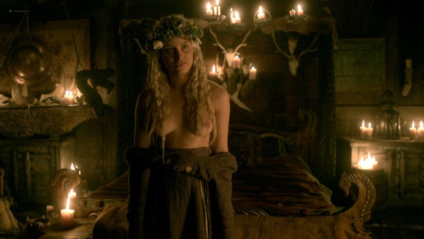 Ida Nielsen nude topless Josefin Asplund nude topless and sex – Vikings (2017) s04e18 HD 1080p (6)