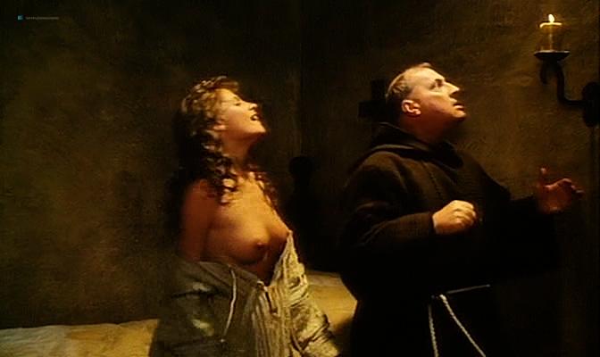 Isabella Ferrari nude topless Carole Bouquet nude butt Isabella Dandolo nude- Dagobert (IT-1984) (11)