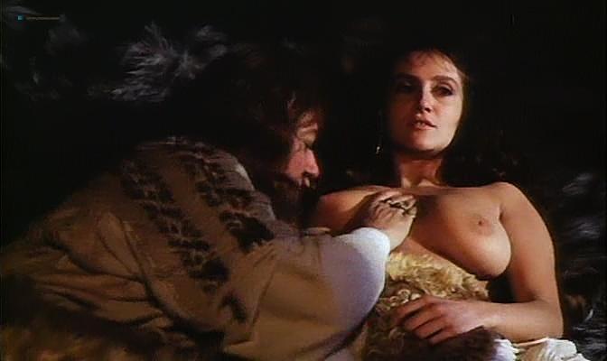 Isabella Ferrari nude topless Carole Bouquet nude butt Isabella Dandolo nude- Dagobert (IT-1984) (7)