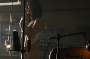 Jennifer Connelly nude brief bush and side boob – American Pastoral (2016) HD 1080p WebDL