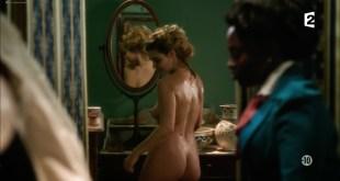 Marie Denarnaud nude butt and side boob - Mystère à la Tour Eiffel (FR-2015) HDTV (2)