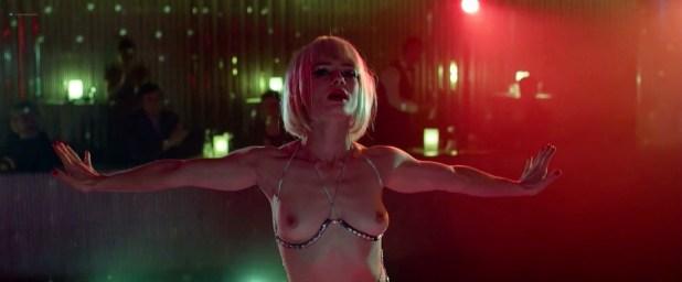 Michalina Olszańska nude topless and Magdalena Cielecka nude full frontal - Córki Dancingu (PL-2015) HD 720p (5)