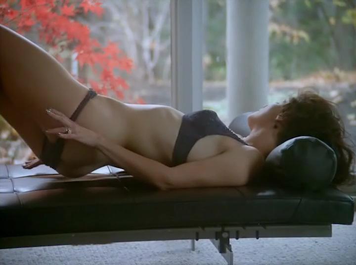 Peta Wilson nude full frontal Ellen Barkin lesbian Karen Young nude- Mercy (2000) (17)
