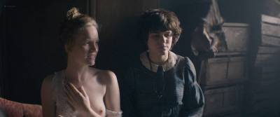 Soko nude topless and butt and Tamzin Merchant nude topless too- La danseuse (FR-2016) HD 1080p BluRay (12)