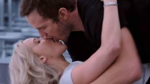 Jennifer Lawrence hot, sexy, wet and some sex - Passengers (2016) HC.HDRip 1080p (6)