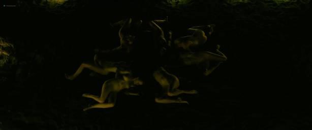Julie Marie Parmentier nude Roxane Durane nude wet - Evolution (FR-2016) HD 1080p BluRay (7)