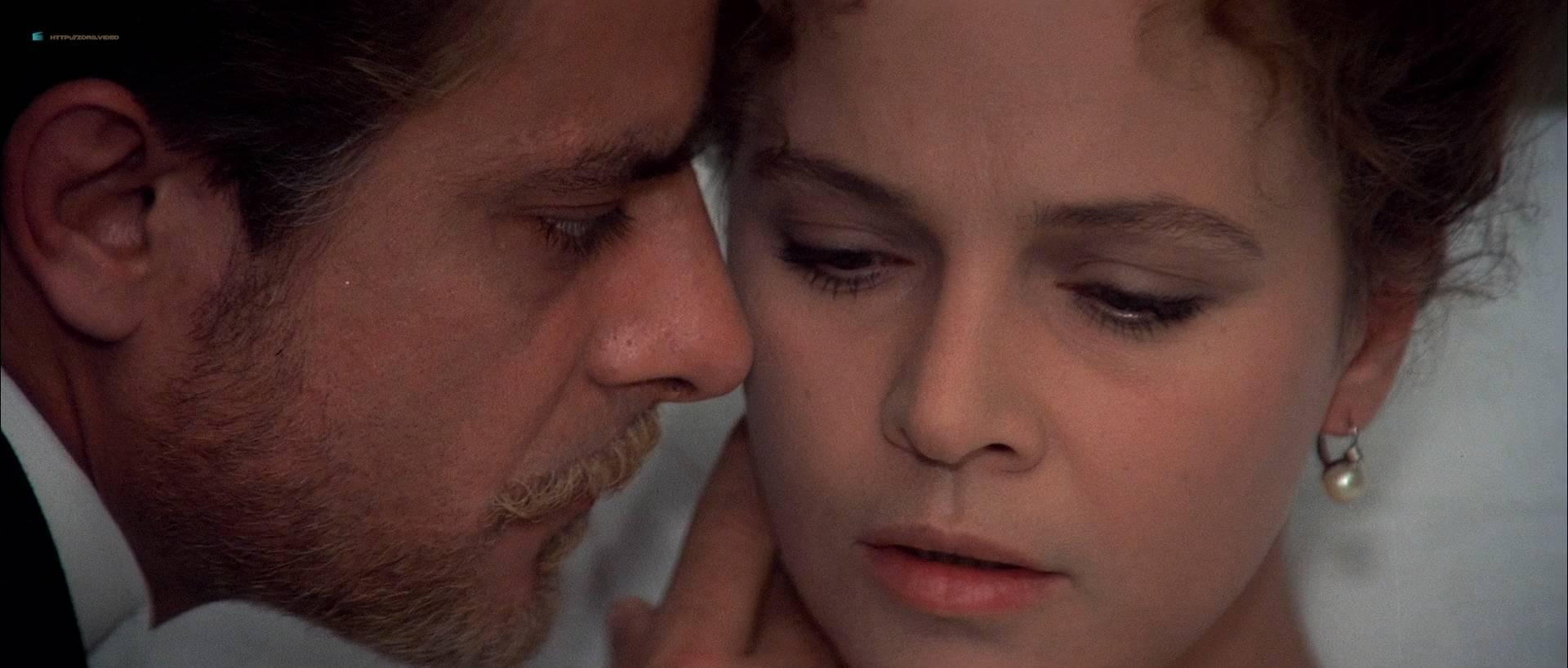 Laura Antonelli nude bush and topless - L'innocente (IT-1976) HD 1080p BluRay (11)