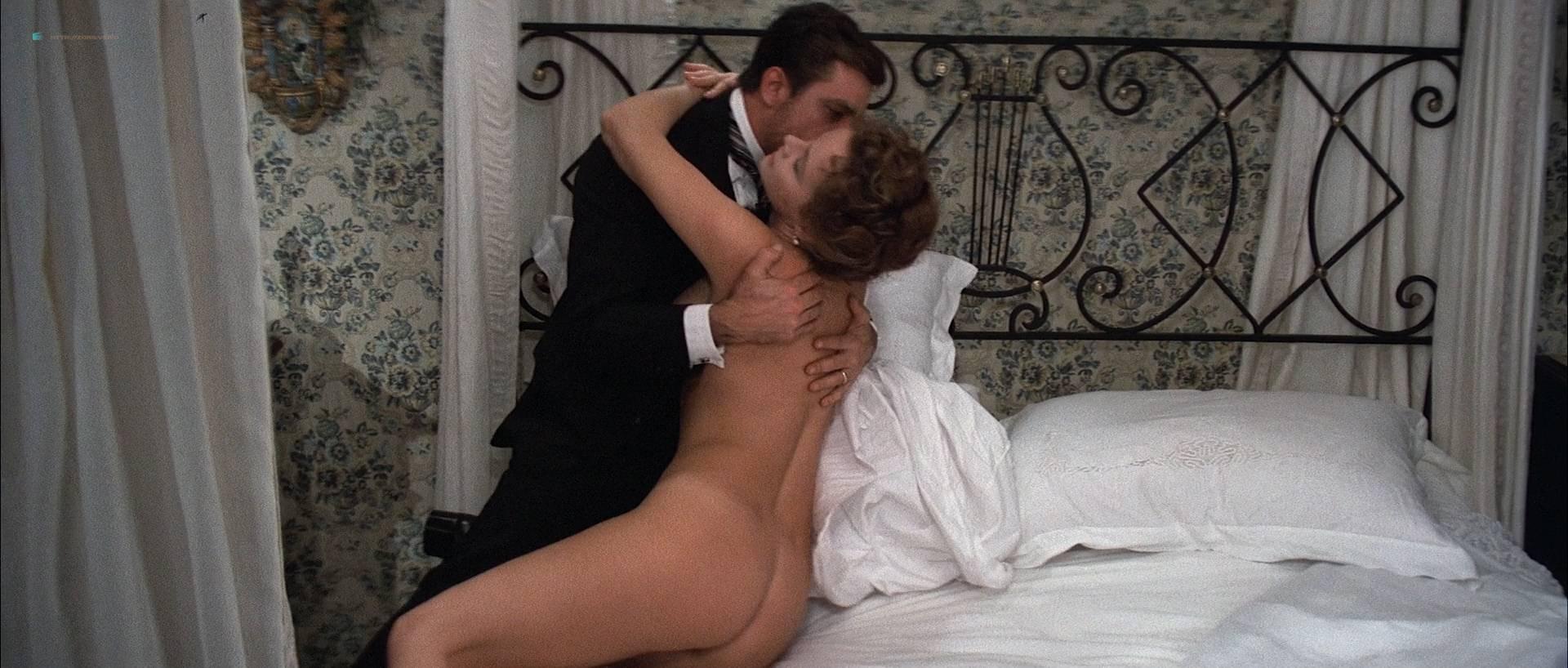 Laura Antonelli nude bush and topless - L'innocente (IT-1976) HD 1080p BluRay (7)